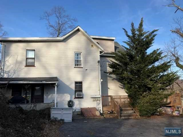 Villas / Townhouses for Sale at 1025 Ringwood Avenue 1025 Ringwood Avenue Wanaque, New Jersey 07420 United States