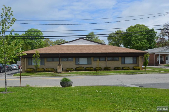 Commercial / Office for Sale at 19 Yawpo Avenue 19 Yawpo Avenue Oakland, New Jersey 07436 United States