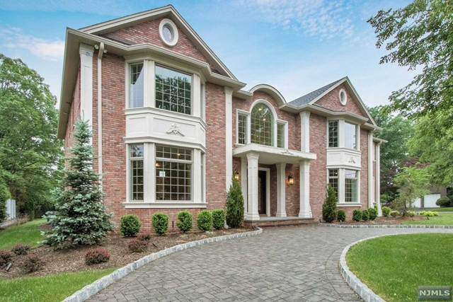 Single Family Home for Sale at 54 Jean Drive 54 Jean Drive Englewood Cliffs, New Jersey 07632 United States