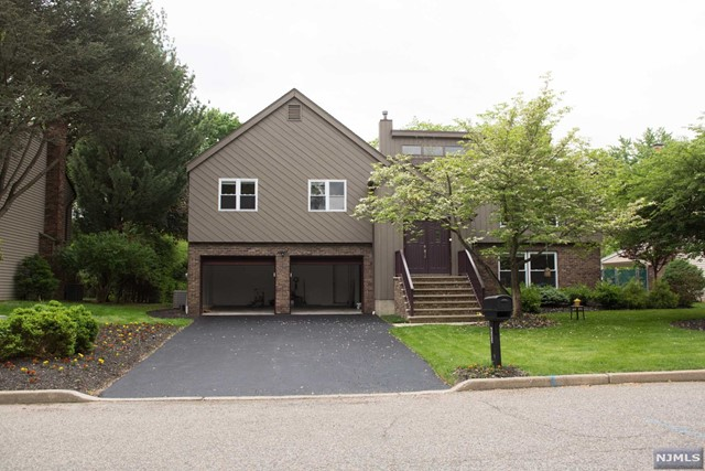 633 Alacci Way - River Vale, New Jersey