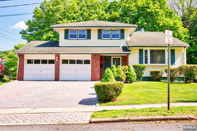 Single Family Home for Sale at 47 Lake Street 47 Lake Street Westwood, New Jersey 07675 United States