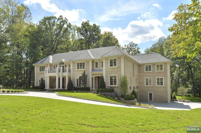 Single Family Home for Sale at 46 Westerly Road 46 Westerly Road Saddle River, New Jersey 07458 United States