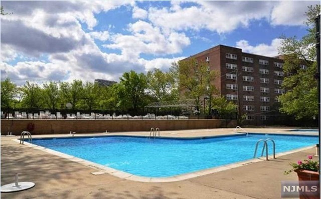 2200 N Central Rd, 3L - Fort Lee, New Jersey