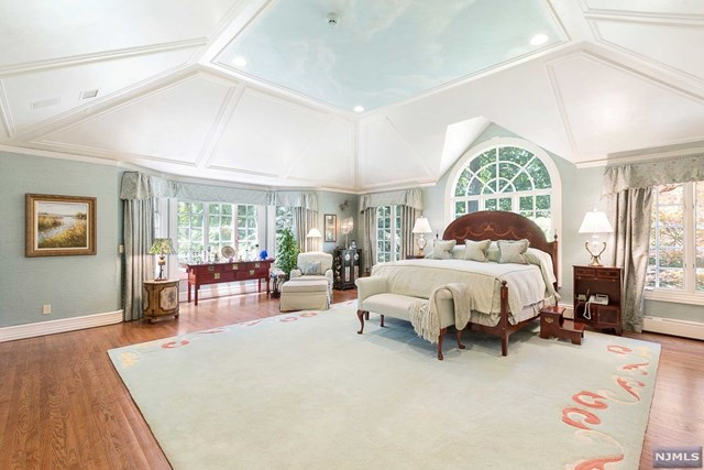 Additional photo for property listing at 1055 High Mountain Road 1055 High Mountain Road Franklin Lakes, New Jersey 07417 United States