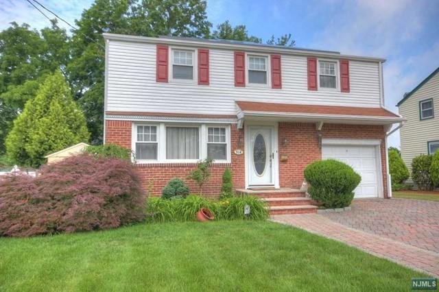 Single Family Home for Sale at 514 Washington Avenue 514 Washington Avenue Dumont, New Jersey 07628 United States