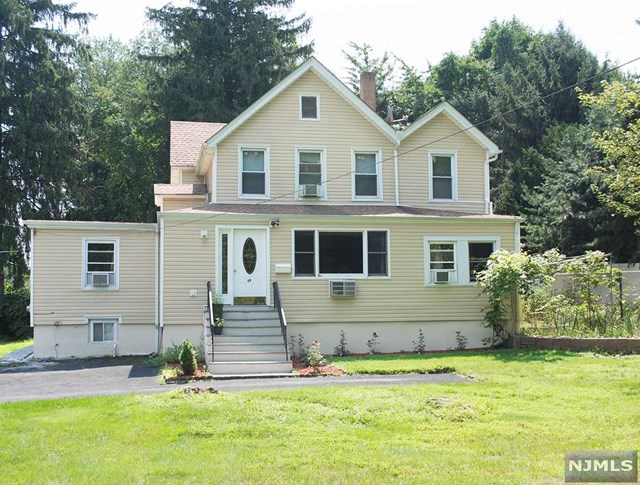 Single Family Home for Sale at 69 West Street 69 West Street Closter, New Jersey 07624 United States