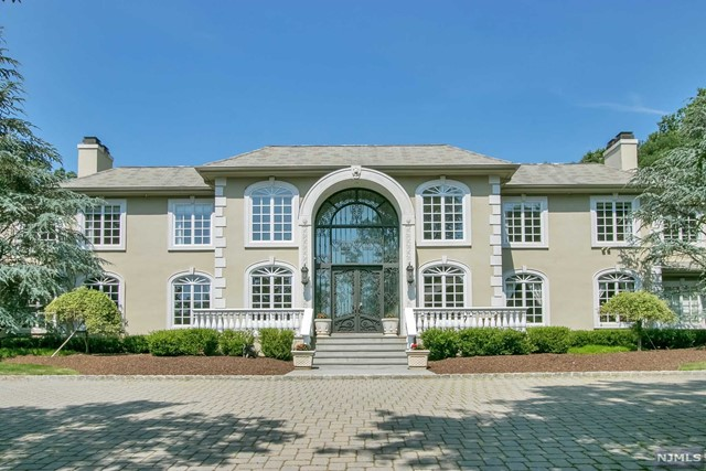 Single Family Home for Sale at 27 Burning Hollow Road 27 Burning Hollow Road Saddle River, New Jersey 07458 United States