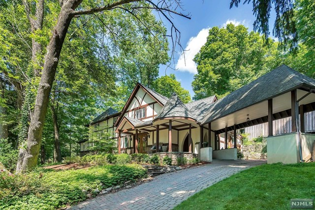 304 EAST SADDLE RIVER ROAD, UPPER SADDLE RIVER, NJ 07458