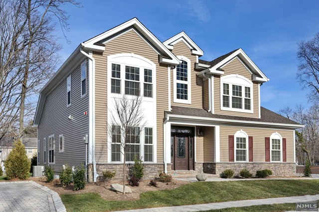 Single Family Home for Sale at 14-A Arden Place 14-A Arden Place Hillsdale, New Jersey 07642 United States