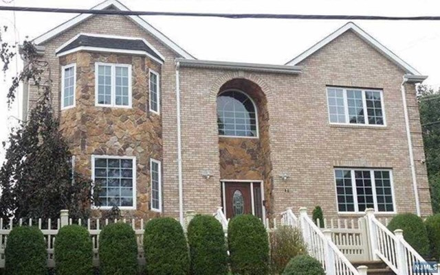 Single Family Home for Sale at 106 Terrace Avenue 106 Terrace Avenue Hasbrouck Heights, New Jersey 07604 United States