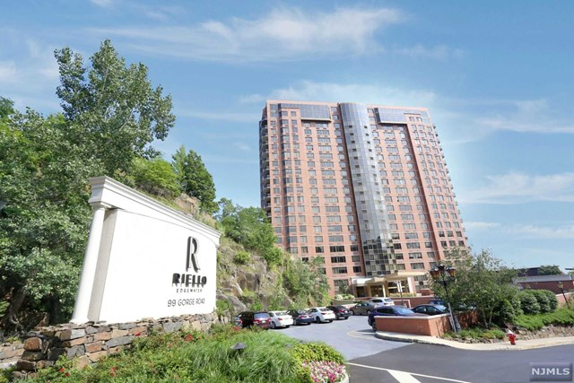 Rental Communities for Rent at 99 Gorge Road 99 Gorge Road Edgewater, New Jersey 07020 United States