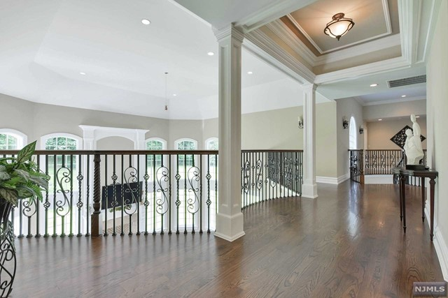 Additional photo for property listing at 243 Glen Place 243 Glen Place Franklin Lakes, New Jersey 07417 United States