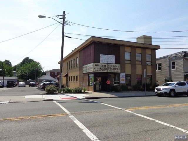 Commercial / Office for Sale at 75 Newark Pompton Turnpike 75 Newark Pompton Turnpike Little Falls, New Jersey 07424 United States