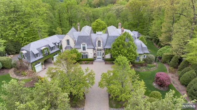 Single Family Home for Sale at 59 Fox Hedge Road 59 Fox Hedge Road Saddle River, New Jersey 07458 United States