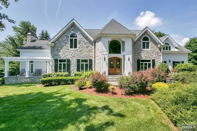 Single Family Home for Sale at 787 Ontario Court Franklin Lakes, New Jersey 07417 United States