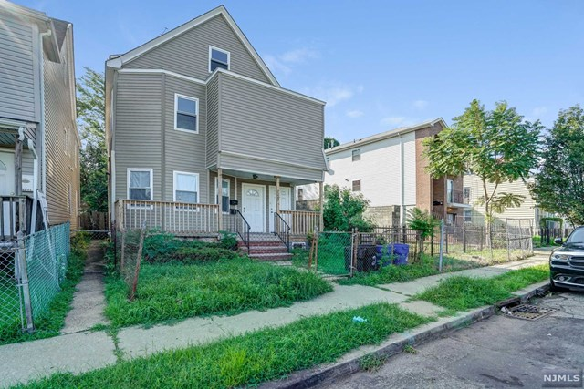 Villas / Townhouses for Sale at 208 South Grove Street 208 South Grove Street East Orange, New Jersey 07018 United States