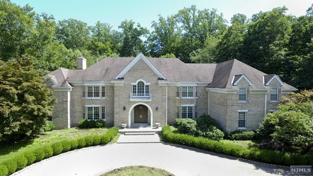 Single Family Home for Sale at 78 Fox Hedge Road 78 Fox Hedge Road Saddle River, New Jersey 07458 United States