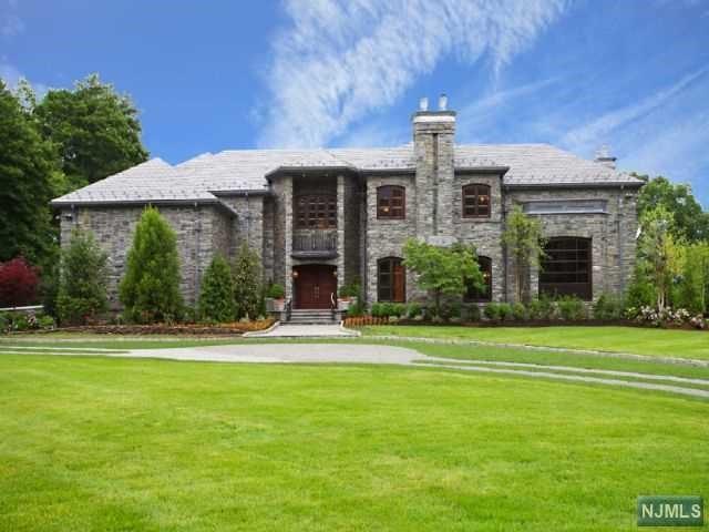 Single Family Home for Rent at 64 Stony Ridge Road 64 Stony Ridge Road Saddle River, New Jersey 07458 United States