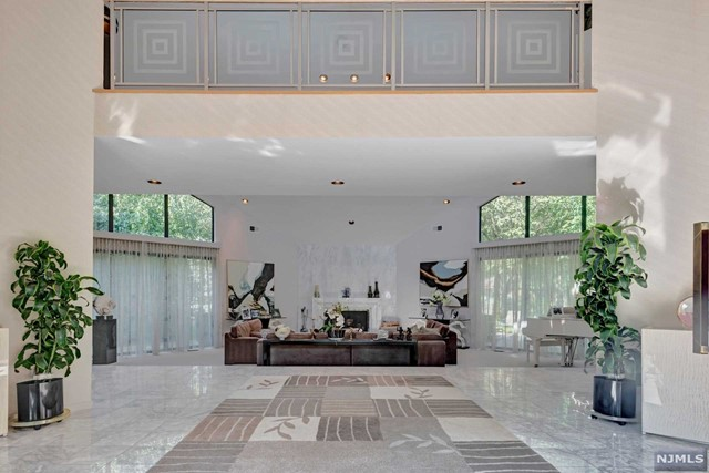 Single Family Home for Sale at 3 High Meadow Road 3 High Meadow Road Saddle River, New Jersey 07458 United States