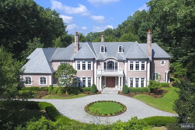 Single Family Home for Sale at 17 Alford Drive Saddle River, New Jersey 07458 United States