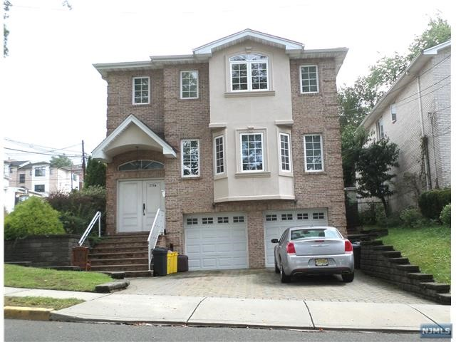 Villas / Townhouses for Sale at 276 8th Street 276 8th Street Palisades Park, New Jersey 07650 United States
