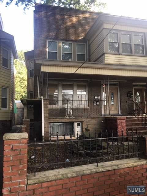 Villas / Townhouses for Sale at 104 Dayton Street 104 Dayton Street Newark, New Jersey 07114 United States