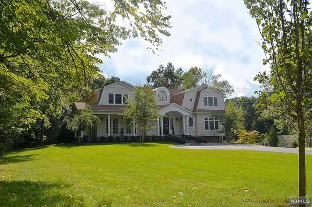 Single Family Home for Sale at 76 Dimmig Road 76 Dimmig Road Upper Saddle River, New Jersey 07458 United States