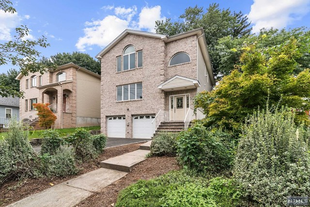 Single Family Home for Sale at 594 Anderson Avenue 594 Anderson Avenue Wood Ridge, New Jersey 07075 United States