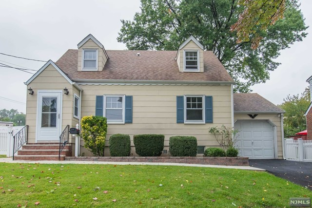 Single Family Home for Sale at 76 Burlington Road 76 Burlington Road Clifton, New Jersey 07012 United States