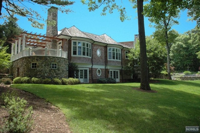 Single Family Home for Sale at 876 Trailing Ridge Road Franklin Lakes, New Jersey 07417 United States