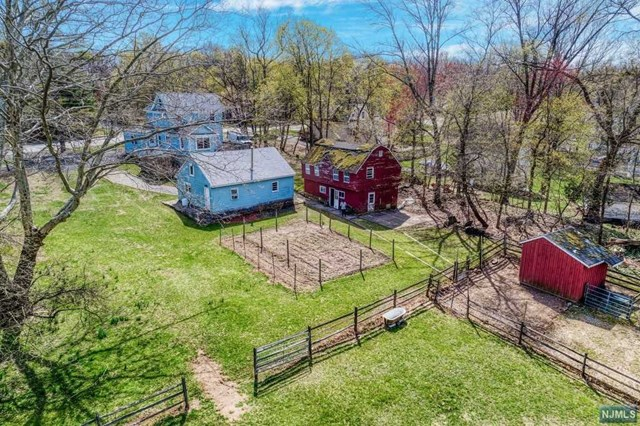 Single Family Home for Sale at 573 Wyckoff Avenue 573 Wyckoff Avenue Mahwah, New Jersey 07430 United States