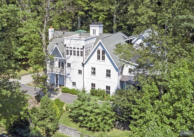 Single Family Home for Sale at 126 Undercliff Road 126 Undercliff Road Montclair, New Jersey 07042 United States