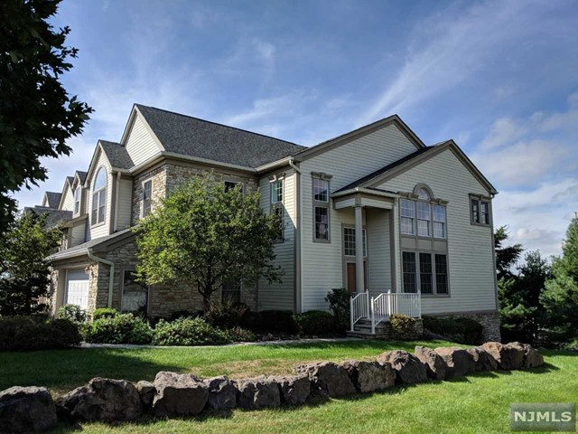Condominium for Sale at 6 Skyview Drive 6 Skyview Drive North Haledon, New Jersey 07508 United States
