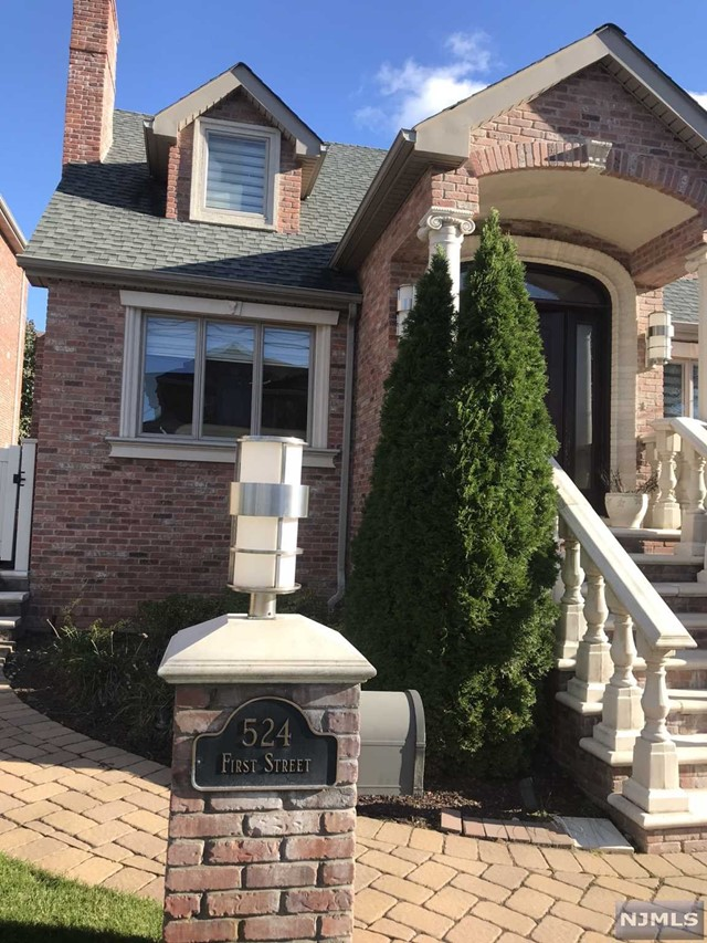 Single Family Home for Sale at 524 1st Street 524 1st Street Palisades Park, New Jersey 07650 United States