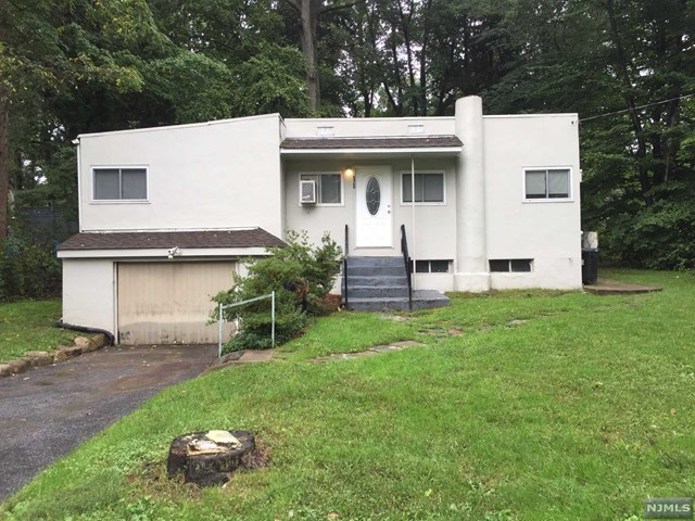 526 Shirley Ave - Franklin Lakes, New Jersey