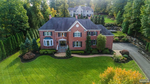 Single Family Home for Sale at 6 Skyview Road 6 Skyview Road Wayne, New Jersey 07470 United States