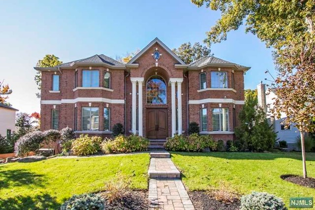 Single Family Home for Sale at 34 Loretta Court 34 Loretta Court Englewood Cliffs, New Jersey 07632 United States