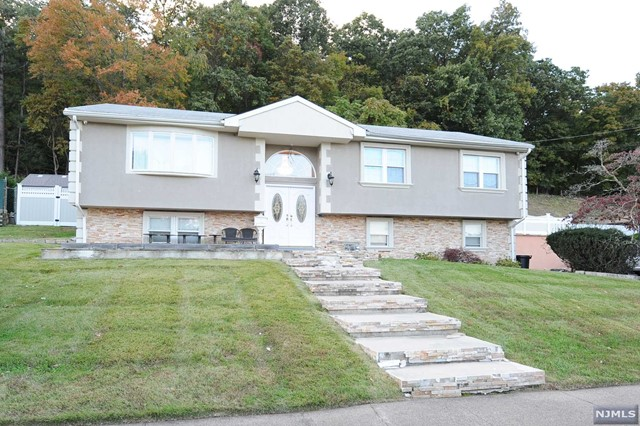 Single Family Home for Sale at 134 Avenue C 134 Avenue C Haledon, New Jersey 07508 United States