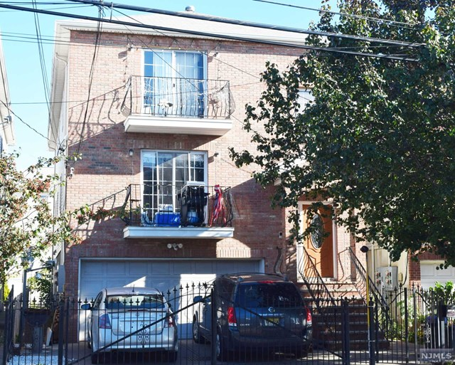 Villas / Townhouses for Sale at 43-45 Goble Street Newark, New Jersey 07114 United States