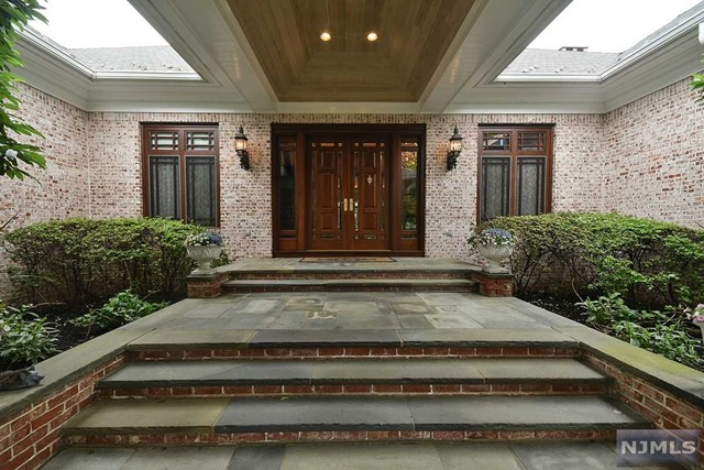 Additional photo for property listing at 5 Sutton Drive 5 Sutton Drive Harding Township, New Jersey 07976 United States