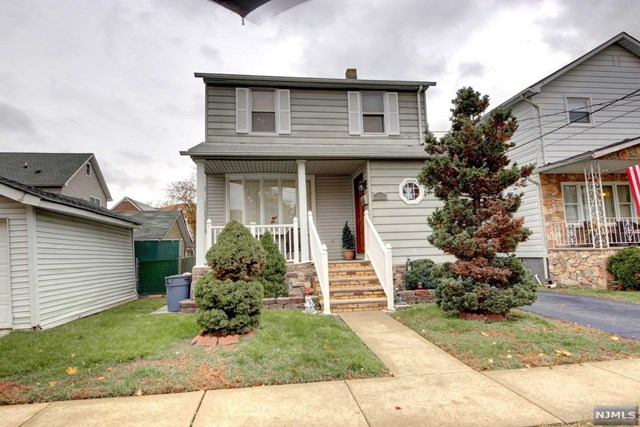 Single Family Home for Sale at 341 Maple Avenue 341 Maple Avenue Lyndhurst, New Jersey 07071 United States