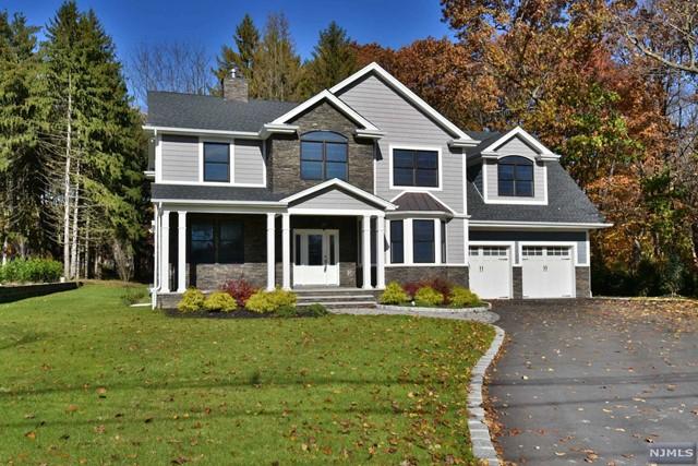 Single Family Home for Sale at 1154 Washington Avenue 1154 Washington Avenue Township Of Washington, New Jersey 07676 United States