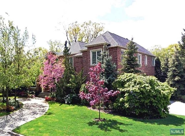 Single Family Home for Sale at 34 Lynn Drive 34 Lynn Drive Englewood Cliffs, New Jersey 07632 United States