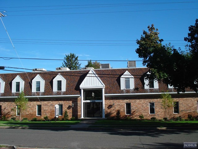 Commercial / Office for Sale at 385 Clinton Avenue 385 Clinton Avenue Wyckoff, New Jersey 07481 United States