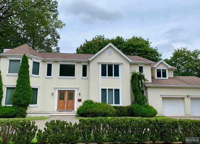 Single Family Home for Sale at 312 Anderson Avenue 312 Anderson Avenue Closter, New Jersey 07624 United States