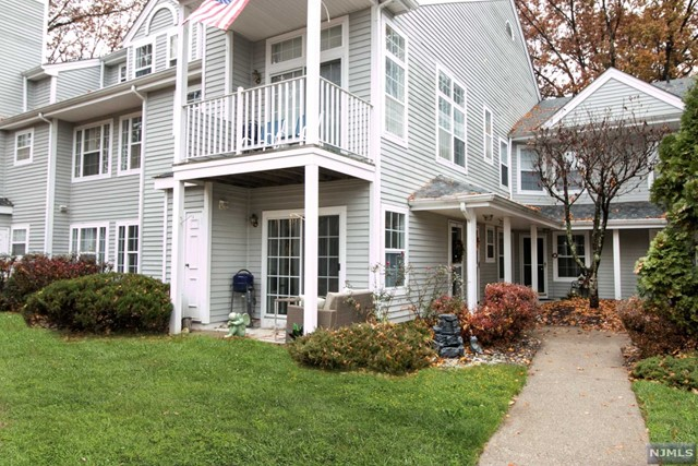 Condominium for Sale at 1228 Richmond Road 1228 Richmond Road Mahwah, New Jersey 07430 United States