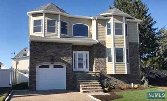 Single Family Home for Sale at 186 Hillcrest Avenue 186 Hillcrest Avenue Wood Ridge, New Jersey 07075 United States