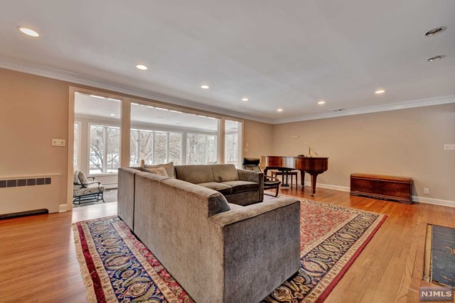 Additional photo for property listing at 87 Deerhaven Road 87 Deerhaven Road Mahwah, New Jersey 07430 United States