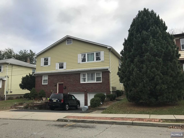 Villas / Townhouses for Sale at 9 East 8th Street 9 East 8th Street Clifton, New Jersey 07011 United States