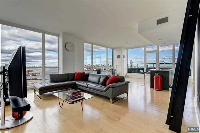 Condominium for Sale at 2 2nd Street , Unit 4002 2 2nd Street , Unit 4002 Jersey City, New Jersey 07302 United States